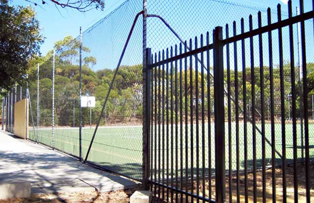 Chain Wire Fence Tennis Court